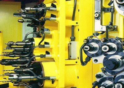 Teste multiple per unità rototraslante con stazione di controllo rottura utensili